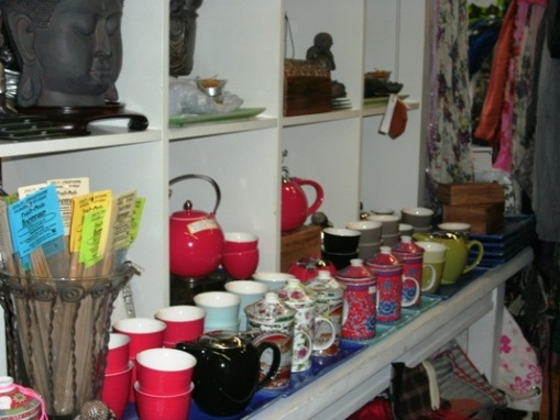 Teapots and tea mugs in Eklectic Finds